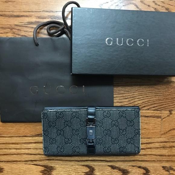 18e04627596 Gucci Handbags - Signature Gucci Black Canvas Women s Wallet